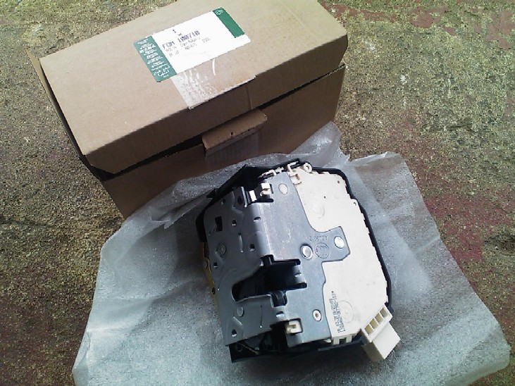 www discovery2 co uk / Rear Passenger door lock Assy